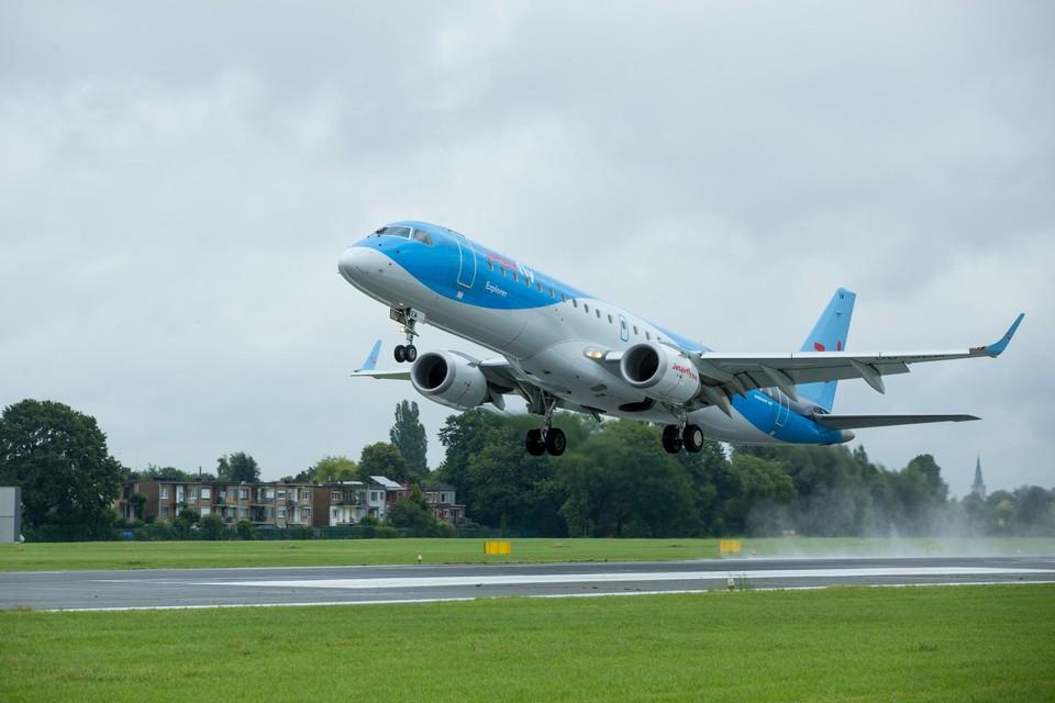 Een TUI-vlucht stijgt vanop de luchthaven van Deurne op