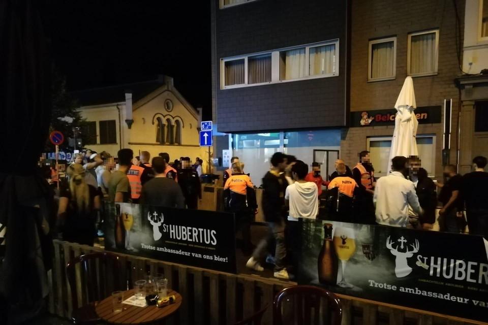 Grote incidenten bleven vrijdagnacht uit. Vier personen werden bestuurlijk aangehouden door de Gentse politie