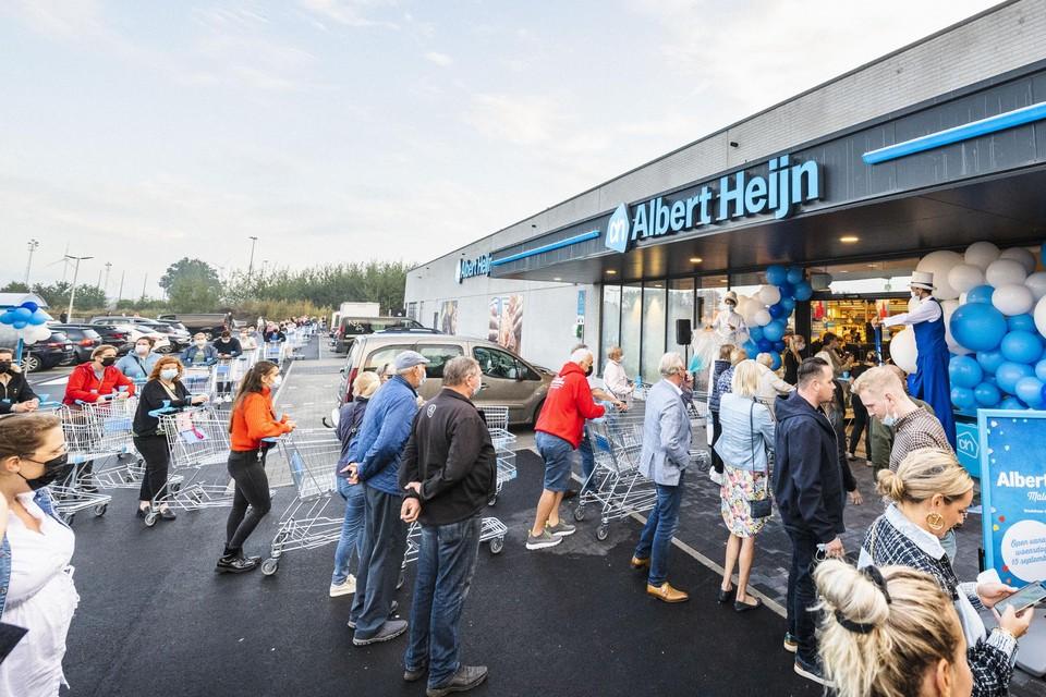 Het was aanschuiven geblazen bij de opening van de eerste Albert Heijn in het Meetjesland.