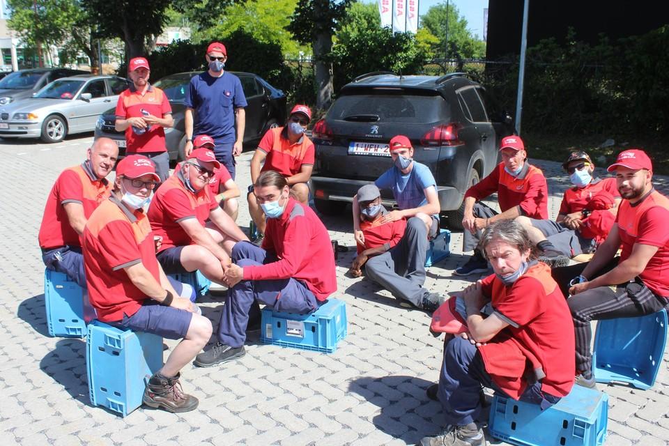 In juni van dit jaar legden de postbodes van het mailcenter in Huizingen al een week het werk neer. Van de beloftes die de directie toen maakte, is er volgens de postbodes niet veel in de praktijk omgezet.