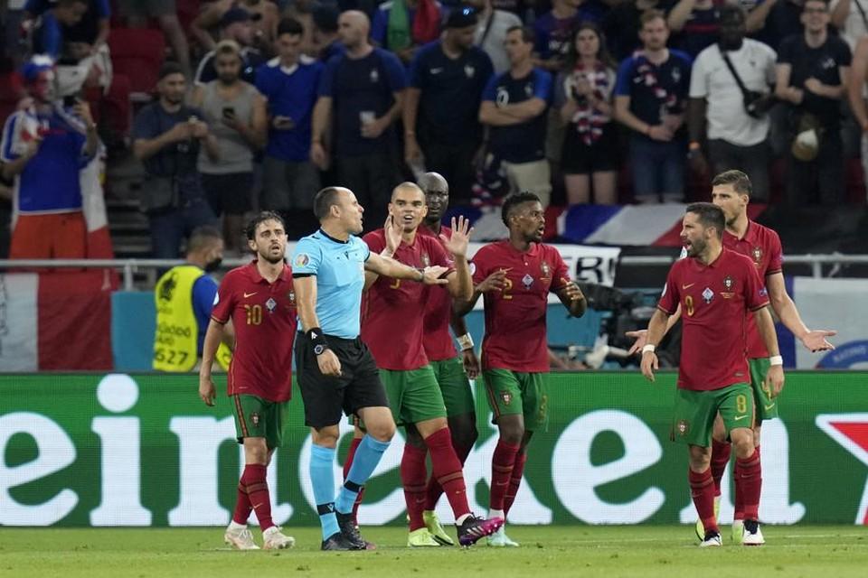 Door zijn blunder in Frankrijk-Portugal mag de Spaanse topref Lahoz wellicht naar de finale fluiten.