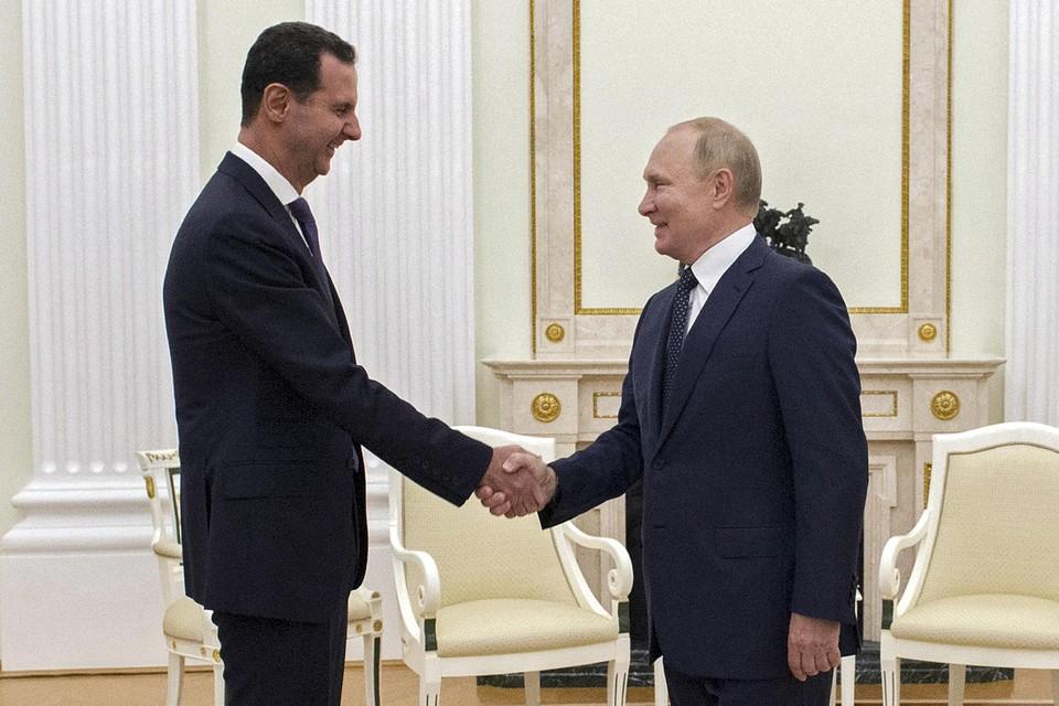 Maandagavond ontmoette president Poetin nog de Syrische president Bashar al-Assad.