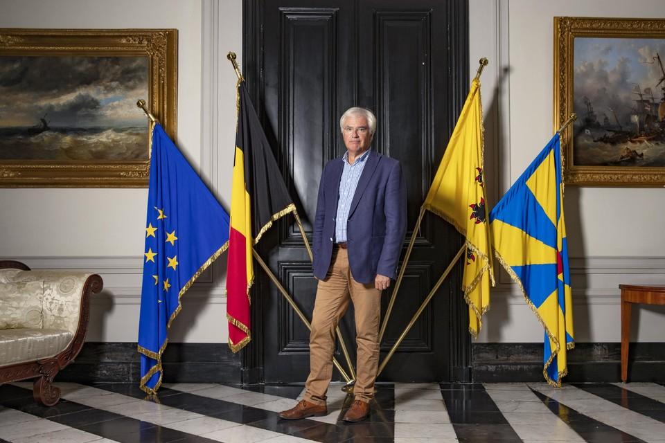 Carl Decaluwé, gouverneur van West-Vlaanderen, opperhoofd van de kust.