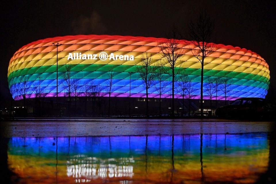 In het verleden werd de Allianz Arena al verlicht in de regenboogkleuren, maar nu mag dat niet van de UEFA