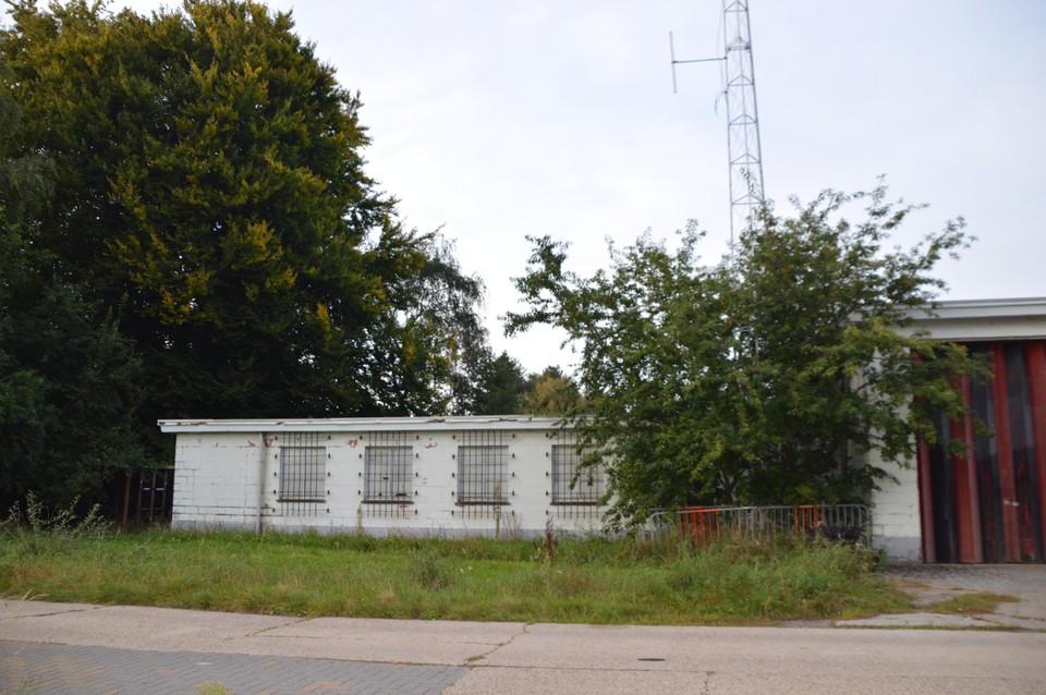 De typische witte gebouwen van het vroeger Engels kamp.