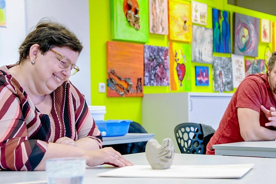 De creatieve therapie in Asster in Sint-Truiden maakt meer los dan Axel Daeseleire zelf had verwacht.