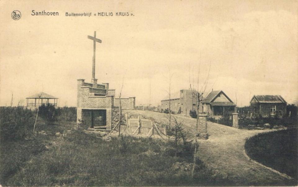 Het openluchtaltaar van het Heilig Kruis.
