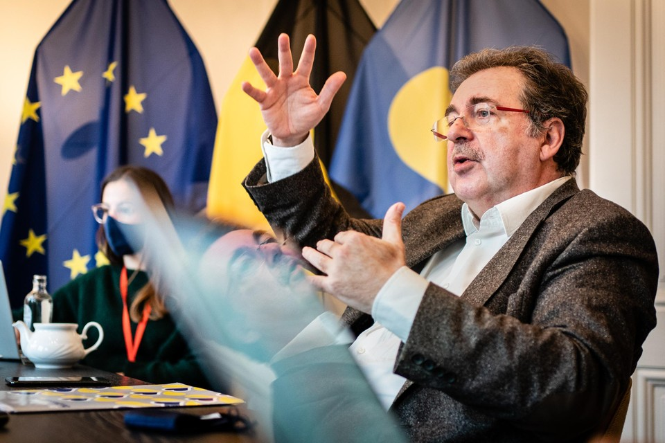 Brussels minister-president Rudi Vervoort (PS). Tijdens de eerste coronagolf was er een schrijnend gebrek aan coördinatie tussen de Brusselse bestuursniveaus en instellingen