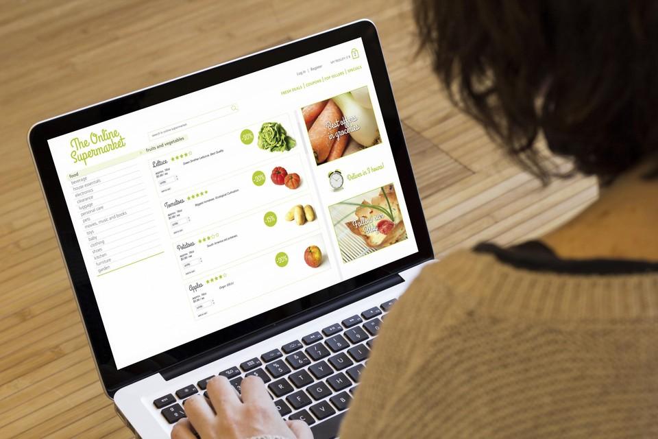De laptop blijft met 38 procent het populairste platform voor online aankopen.