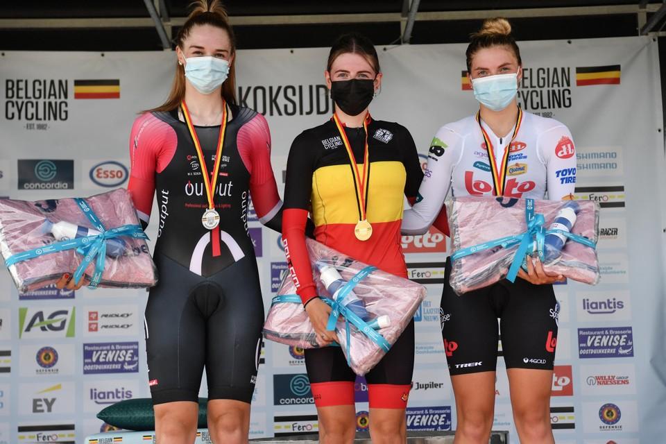 Op het BK haalde Febe Jooris het van Marith Vanhove (links) en Sterre Vervloet (rechts).