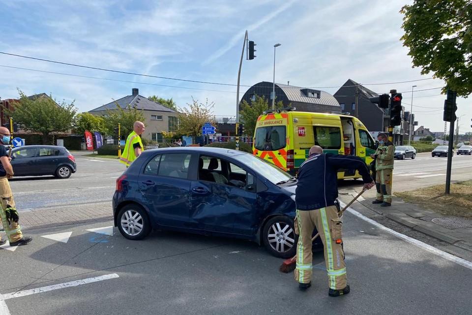 De ziekenwagen kwam in botsing met een personenwagen.