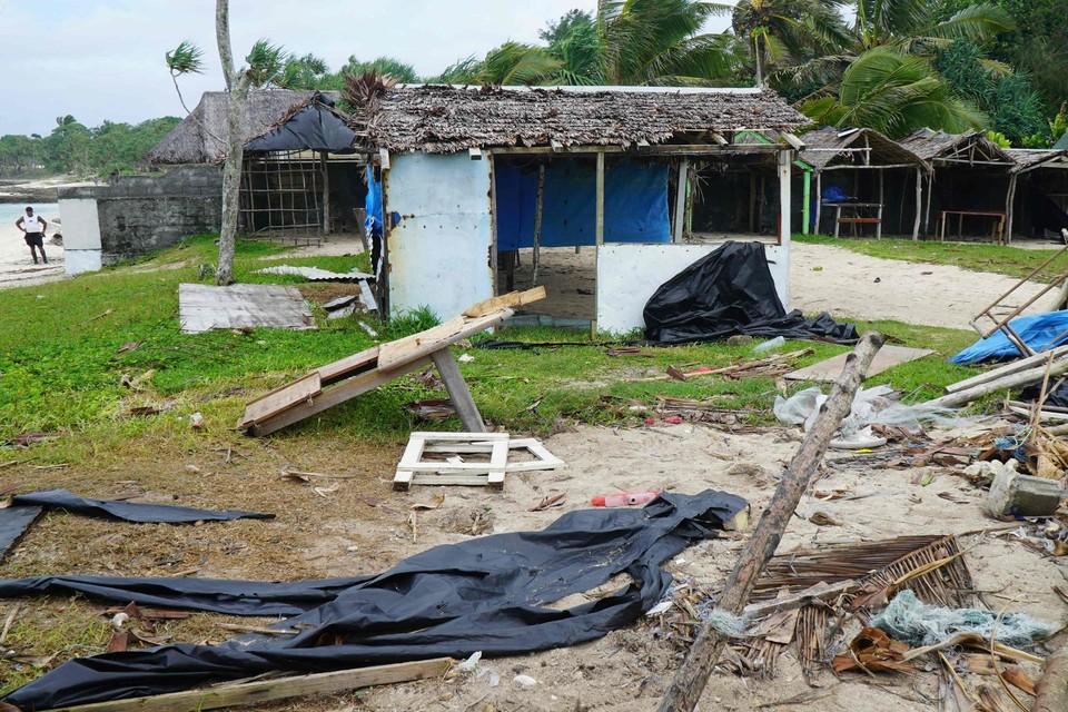 Verwoeste huizen na cycloon Harold  in 2020