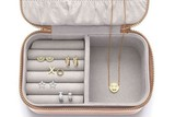 thumbnail: <P>Juwelendoos Estella Bartlett - 24,95 euro. www.pietmoodshop.be</P>