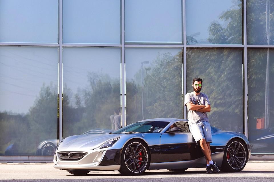 Mate Rimac bij de Concept One, zijn eerste elektrische supercar