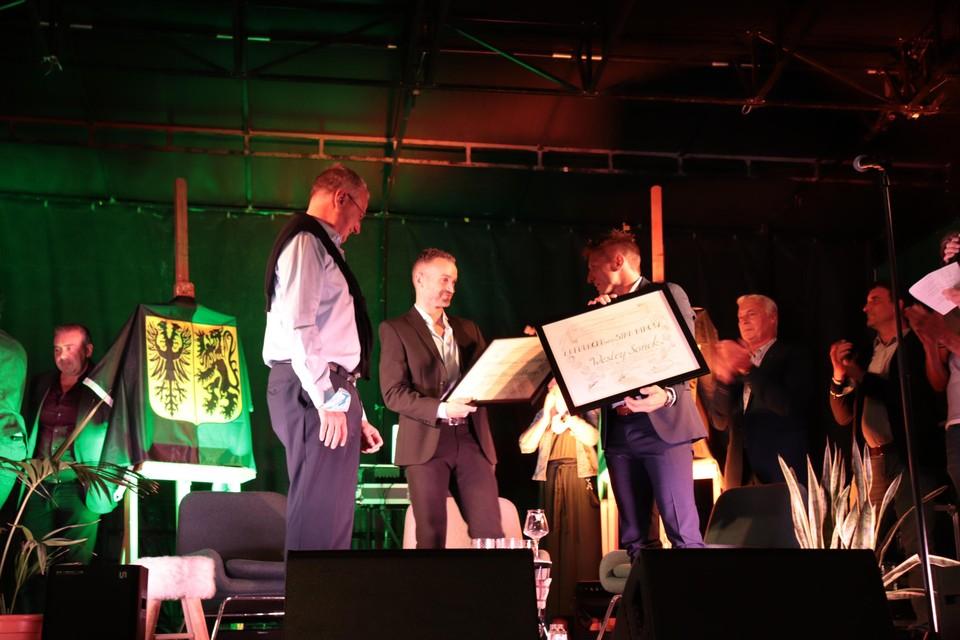 Wesley Sonck en Kevin Van der Perren zijn officieel ingehuldigd als ereburger van Ninove.