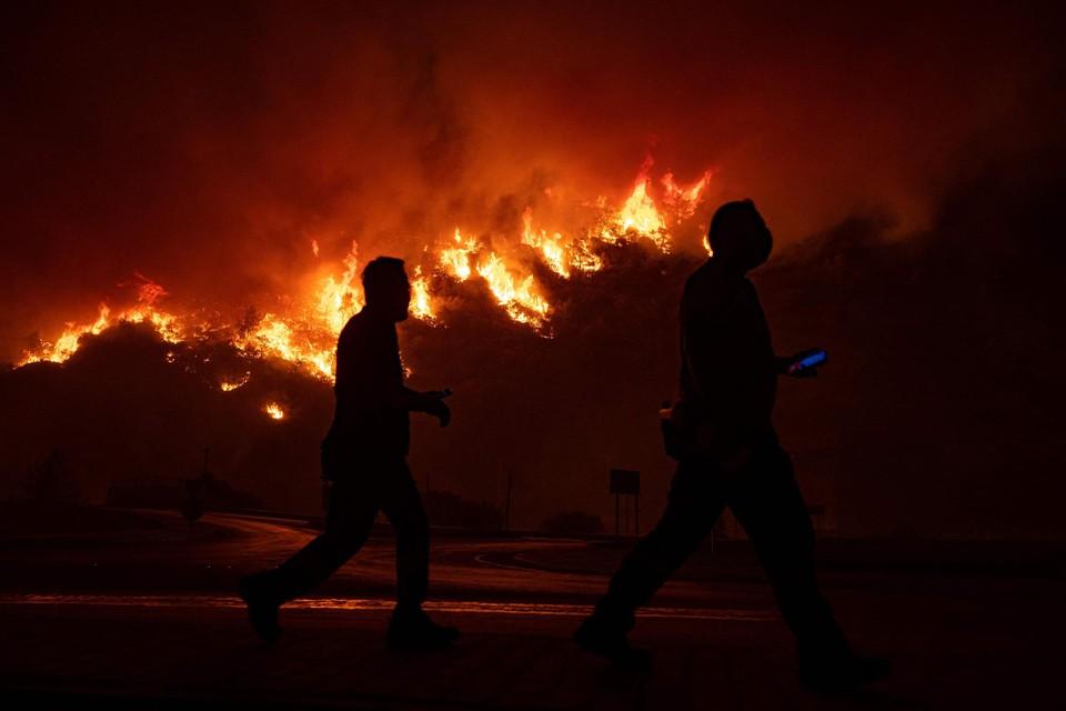 Het vuur naderde sinds dinsdag de energiecentrale.