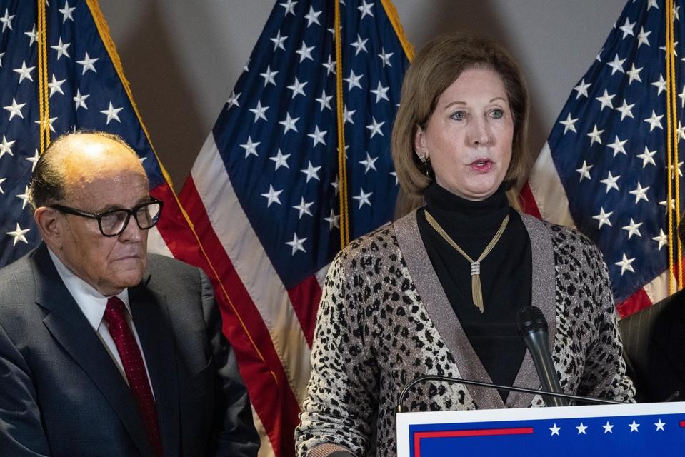 Advocaten Sidney Powell en Rudy Giuliani.