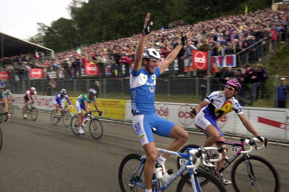 Mario Cipollini spurtte voor 90.000 supporters naar de wereldtitel.