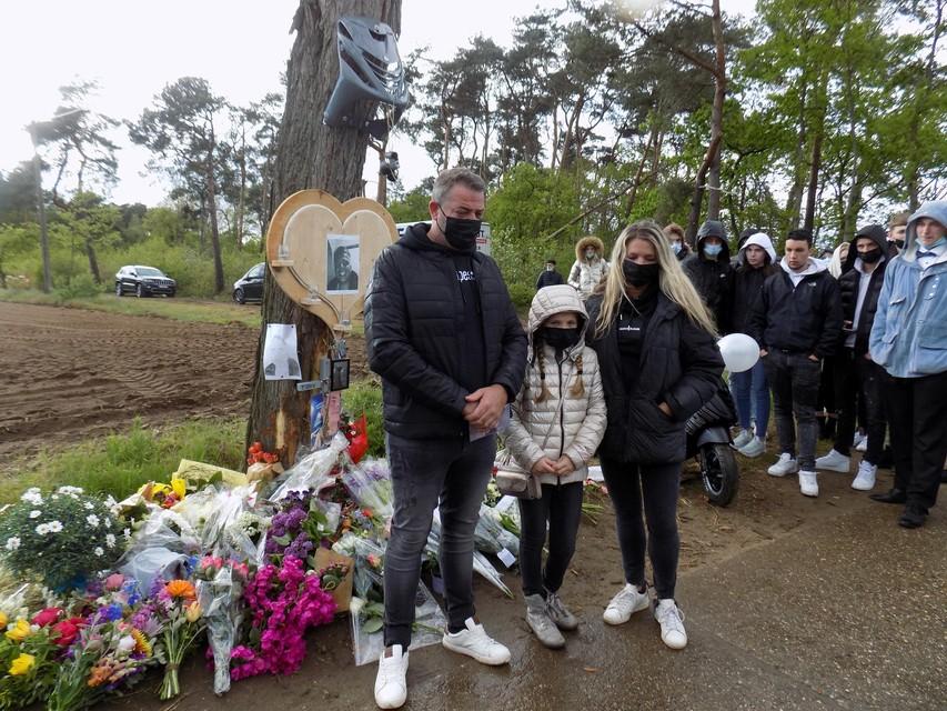 Op de plaats van het ongeval aan Poeyelheide in Lille vond half mei een indrukwekkende herdenking voor Tibau Verelst plaats.