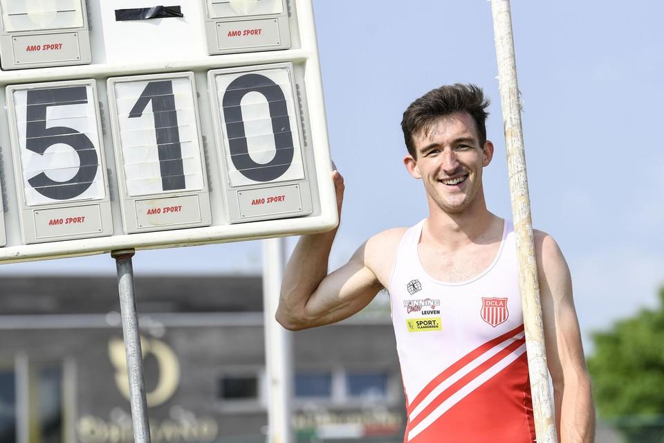 Een fiere Thomas Van Nuffelen na zijn succesrijke sprong in Lier.
