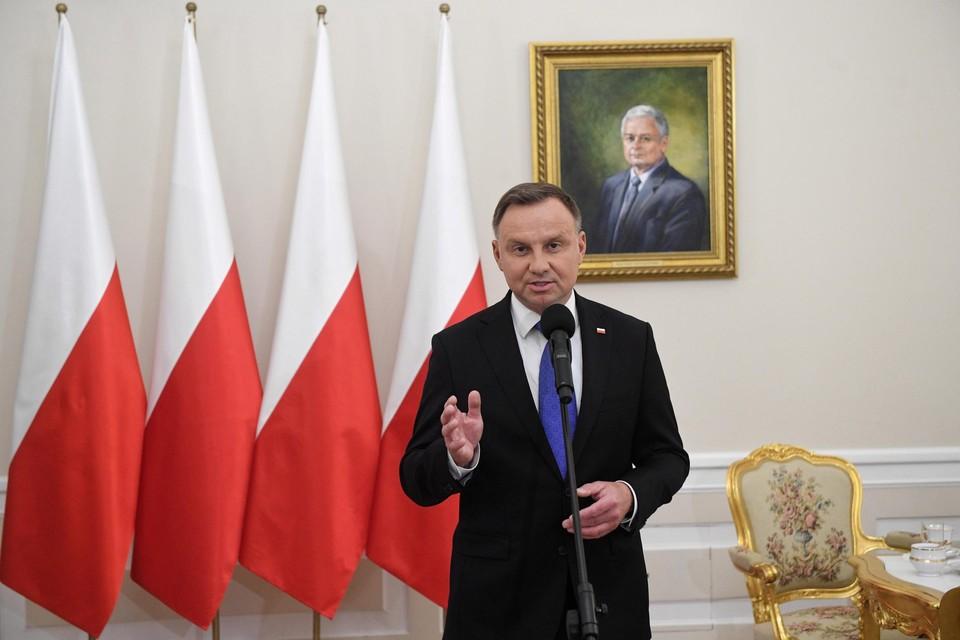 Andrzej Duda is herverkozen als Pools president.