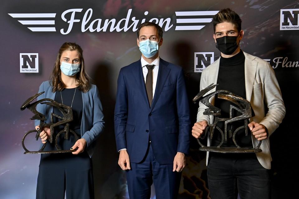 Premier Alexander De Croo en de winnaars.