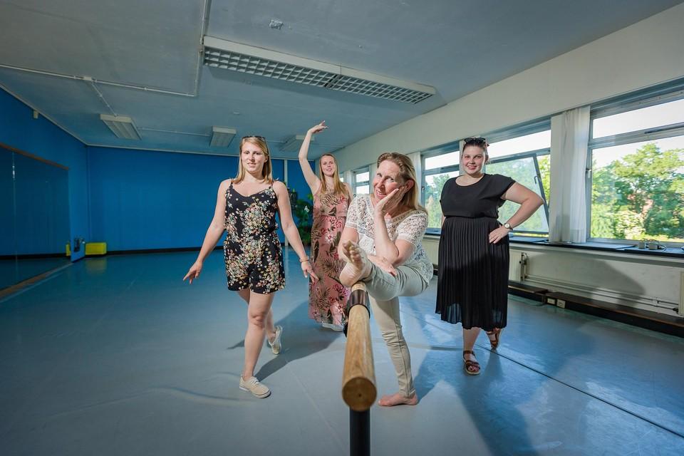 Lita De Wachter, Annemie Thijs, Demi Schellemans en Kaat Van Santvoort nemen de dagelijkse leiding van Dansstudio Marlynes op zich.